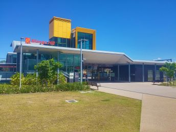 Mango_Hill_railway_station,_Brisbane,_Jan_2017